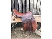 Two-tone Brown leather saddle