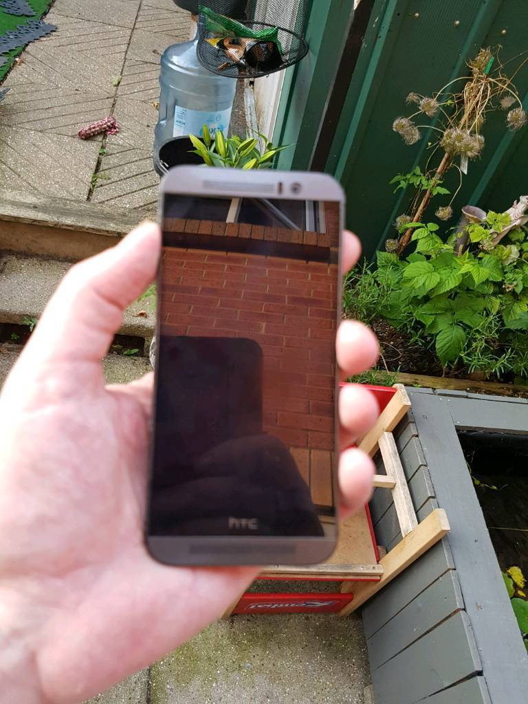 HTC one m9 unlockedin North Baddesley, HampshireGumtree - HTC one m9 unlocked 32gb screen mint condition bk has a few marks all working as should do selling due to upgrade