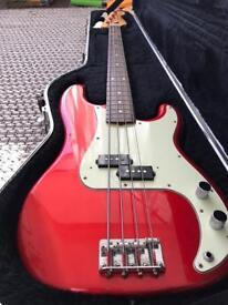 Fender Japan Precision Bass Guitar '62 reissue With Hard case mij
