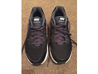 Nike trainers black , size 6, adults , worn once.