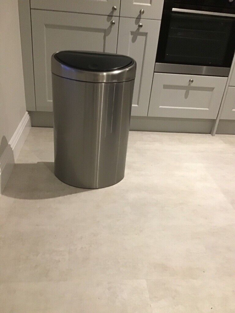 Brabantia Touch Bin 50 Liter Wit.Brabantia Stainless Steel 40litre Flat Back Touch Bin With Plastic Liner As New In Radcliffe On Trent Nottinghamshire Gumtree