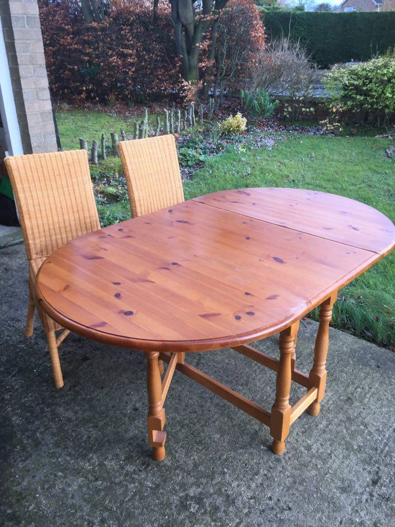 Pine Drop Leaf Dining Room Table And 4 Chairs