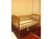 Very good condition baby's cot