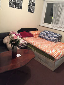 Amazing Studio in Bow Road ( close to station) !!!