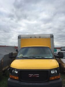 2010 GMC AUTOMATIC 16ft CUBE VAN/TRUCK MINT CONDITION
