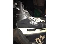 Bauer International ice hockey boots size 5