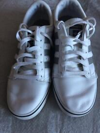 Men's size 8 trainers