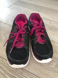 Nike Flex Running Trainers Size 5.