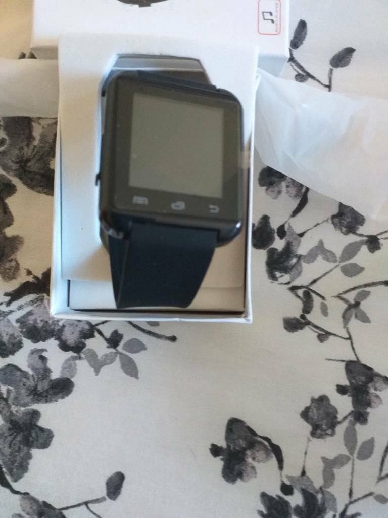 c0742f70a98f Smart phone watch. Hull