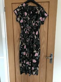 Patterned play suit New Look size 10