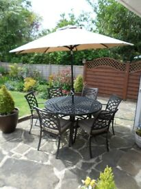HARTMAN 6 SEATER MEAL DINING SET WITH PARASOL AND QUALITY PADS