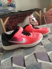 Nike girls size 13 trainers