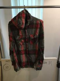 Hooded shirt size M