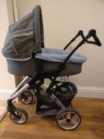 Hauck Apollo 4 matching bassinet, stroller seat, footmuff and stroller bag