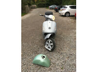 Vespa GT 200 – With Tow bar- £800 or £750 without the towbar