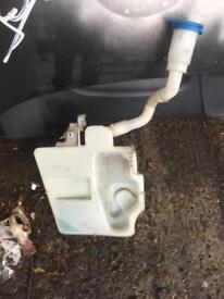 Audi a1 2010-2016 windscreen washer bottle breaking