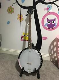 Banjo and stand 3/4