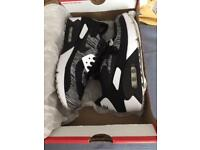 """NIKE AIR MAX 90 """"OREO"""" ULTRA 2.0 FLYKNIT TRAINERS. (Brand New)"""