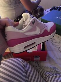 Size 8 women's Nike airs
