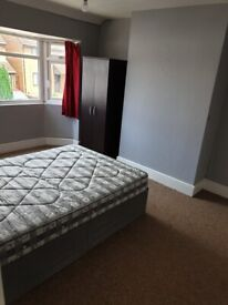 Large Spacious 1 bedroom flat with parking - available now