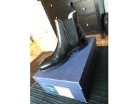 Charles tyrwhitt chelsea boots size 8