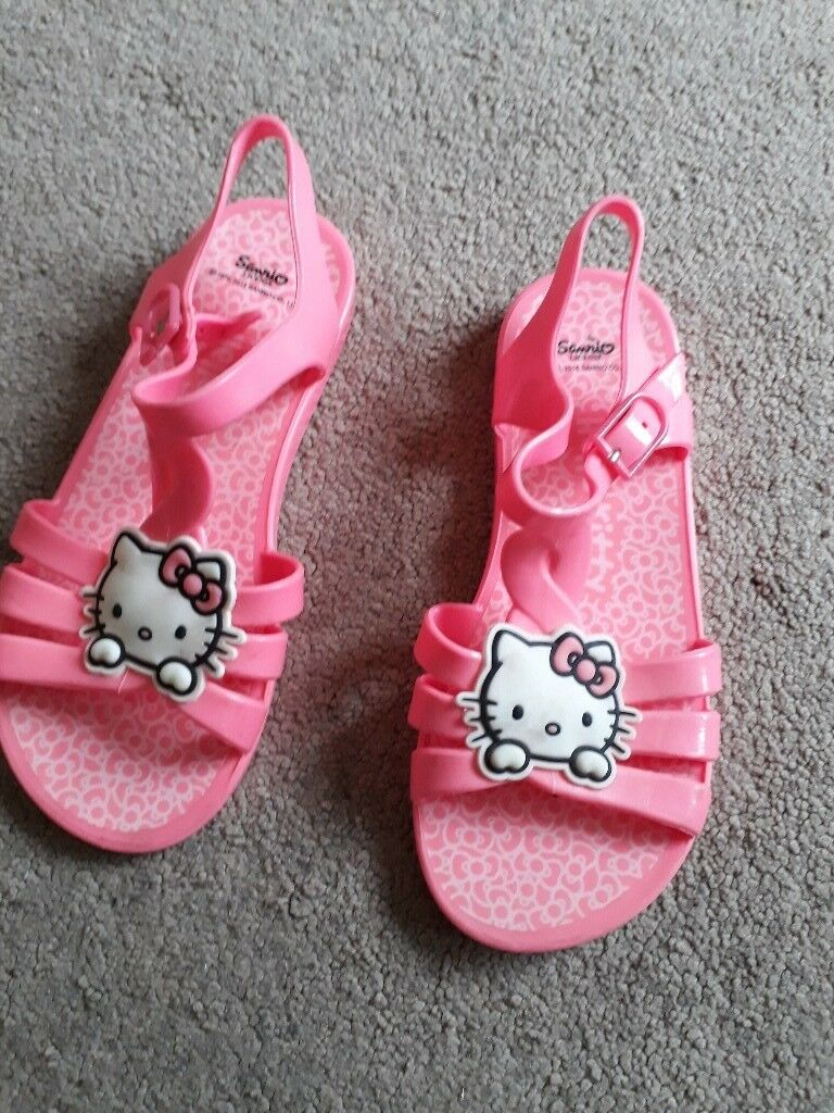 Hello kitty water shoes