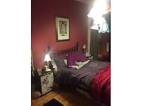 LARGE DOUBLE ROOM IN MOSSLEY HILL