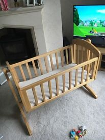 **reduced: Mamma's and Pappas breeze swinging crib