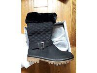 Ladies size 6 black boots brand new