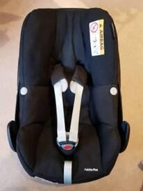Maxi Cosi Pebble Plus i-size car seat