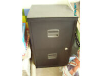 2 drawer filing cabinet with key - Bargain - £30