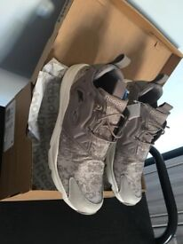Brandnew men's/boys Reebok trainers,cost £135, bargain at only £55,Uk size 7.5
