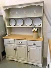 Pine country dresser