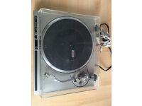 Vintage Pioneer PL-100 DC Servo Auto-Return Turntable for bringing your Vinyl back to life again!