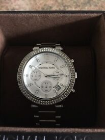 NEW MICHEAL KORS WATCH GIFT BOXED
