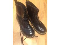 Dr Martin boots size 5
