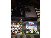 Xbox one 2 pads and 5 games