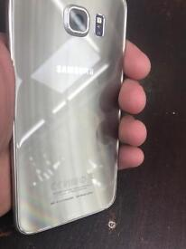 Samsung s6 in gold 32 Gb unlocked condition is like new