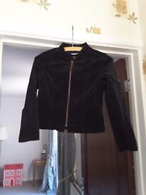 Reduced Girls age 8/9 Jigsaw Junior Black jacket,in excellent condition