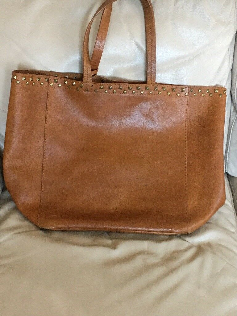 0d91c98e9ee4 lovely large tan Zara leather tote bag with attached leather pouch hardly  used