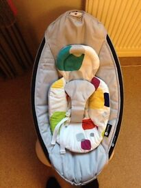 Classic grey Mamaroo 4moms with insert