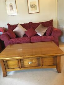Solid oak 110x75x45 excellent condition with drawers and upward feature for TVDinners