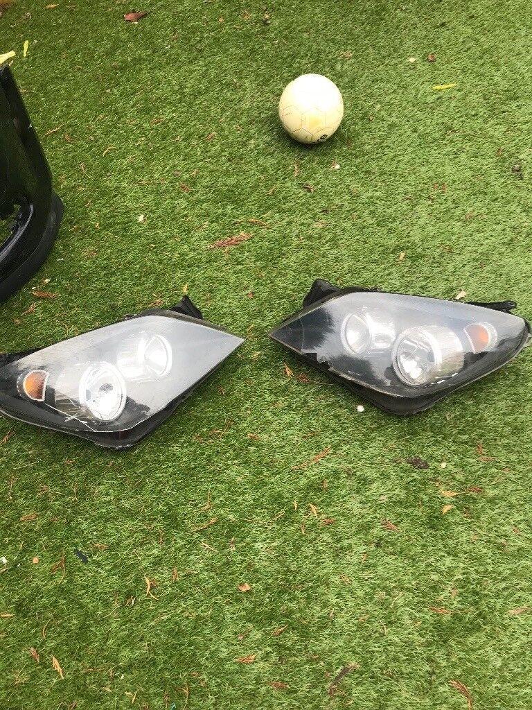 Vauxhall Astra headlights
