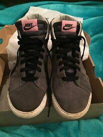 Nike Blazer Mid Vintage kids trainers size 2