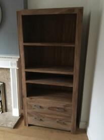 Solid wooden unit with drawers
