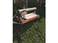 Electric tile cutter/wet saw