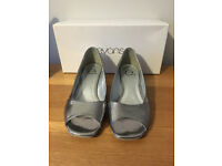 Evans Pewter Shoes (Silver)