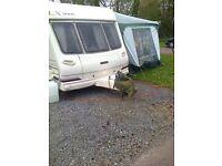LUNAR LX2000-525 6/10 birth caravan 1999