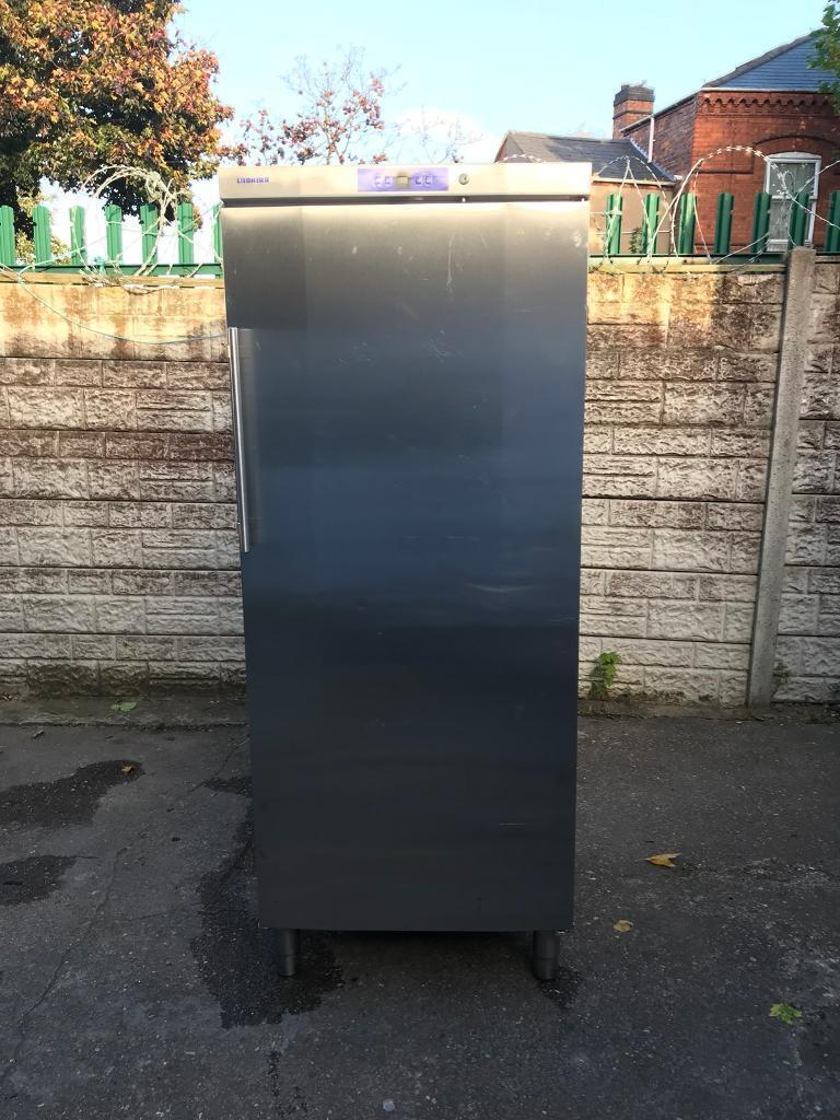 Very good condition pharmacy commercial fridge full working order only £320