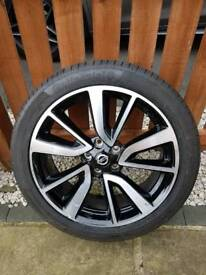Nissan Qashqai Tekna Alloy Wheel Continental Tyre Genuine